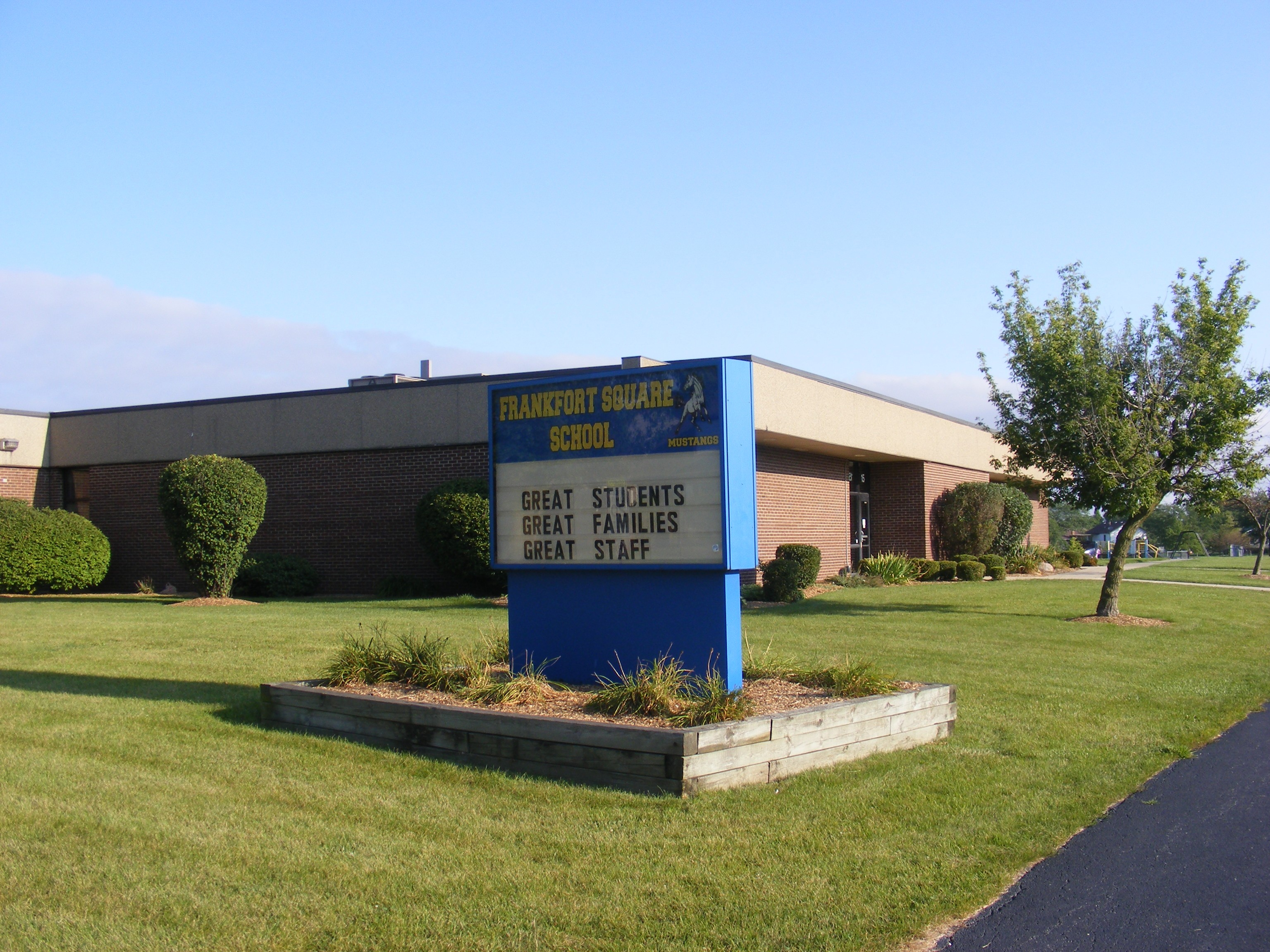 Frankfort Square School